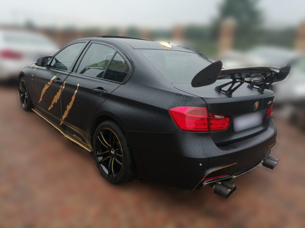 Bmw Black Gold Claw Tear Wrap Strictly Smart Signs